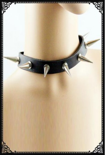 Long spikes choker